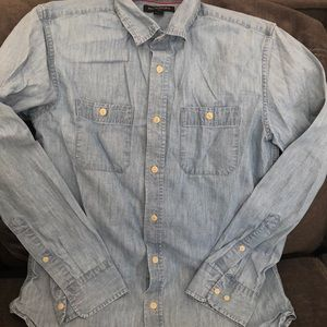 Banana Republic Button Down chambray shirt